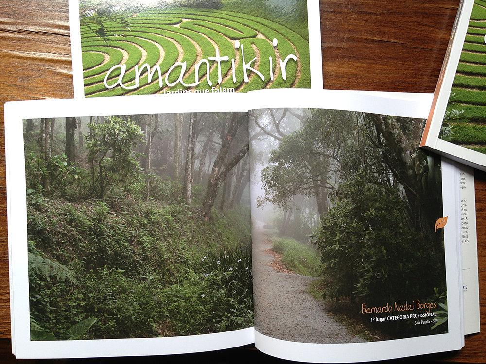 O livro conta a história do parque e mostra as fotos da Colheita em todas as categorias.