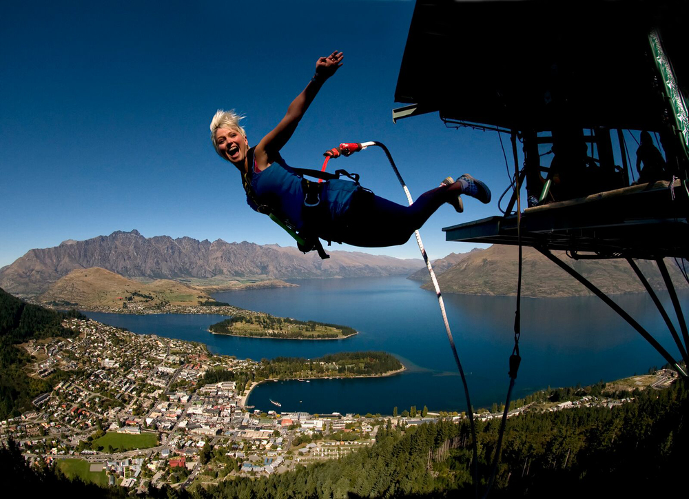 Lake Wakatipu, Queenstown, NZ, AJ Hackett Bungy New Zealand.jpg