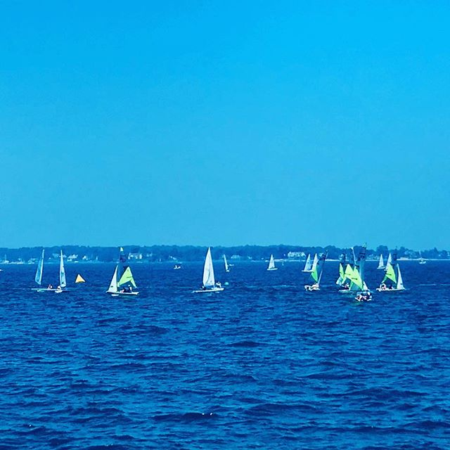 On the way to the island.  95*, ocean breeze, and with family. Life at its finest. #lovetheocean#sailboats #islandbeachstatepark #greenwichct #summerfun#funwithfamily #shellseeker #beautifulbeaches #timeaway #summersdays #oceanblue #eastcoast#lovemyfamily❤️#enjoyinglife