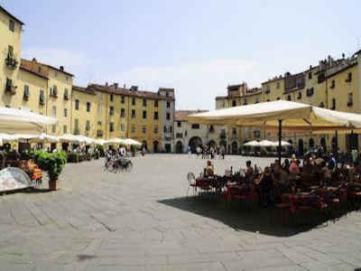 Aperitivo in Lucca