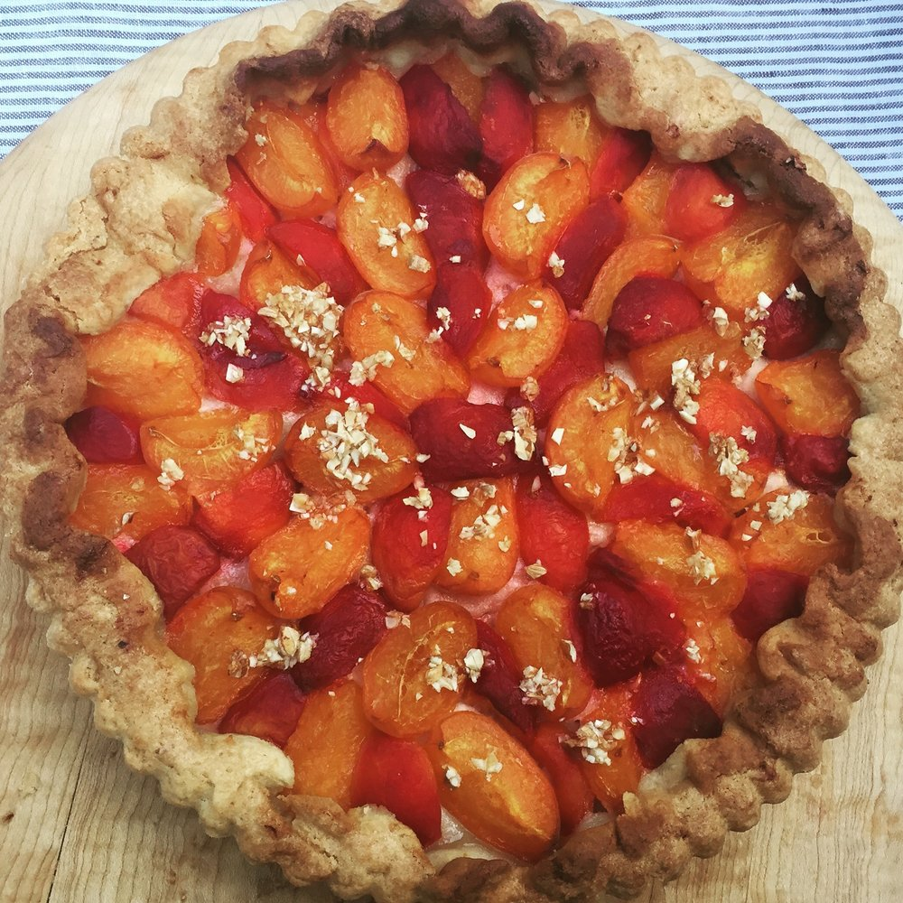 Apricots-and-noyeaux-tart.jpg