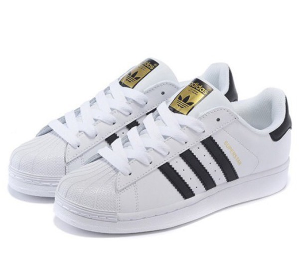 Classic shell Toe Adidas