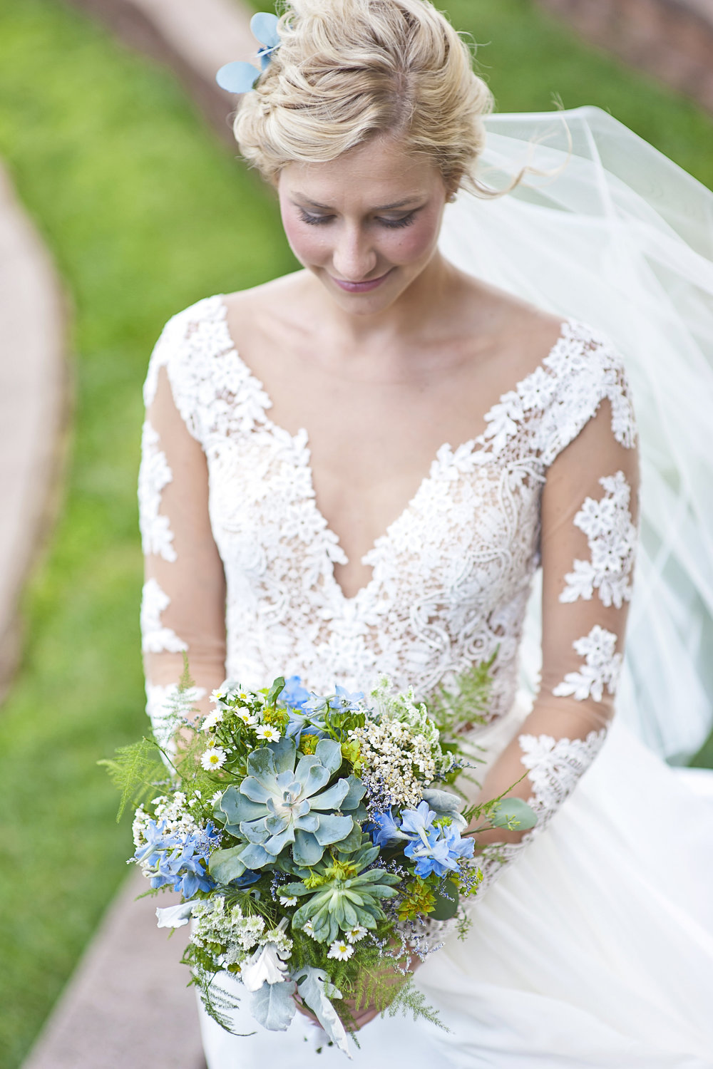 house-of-white-real-bride-martina-liana-bridal-gown