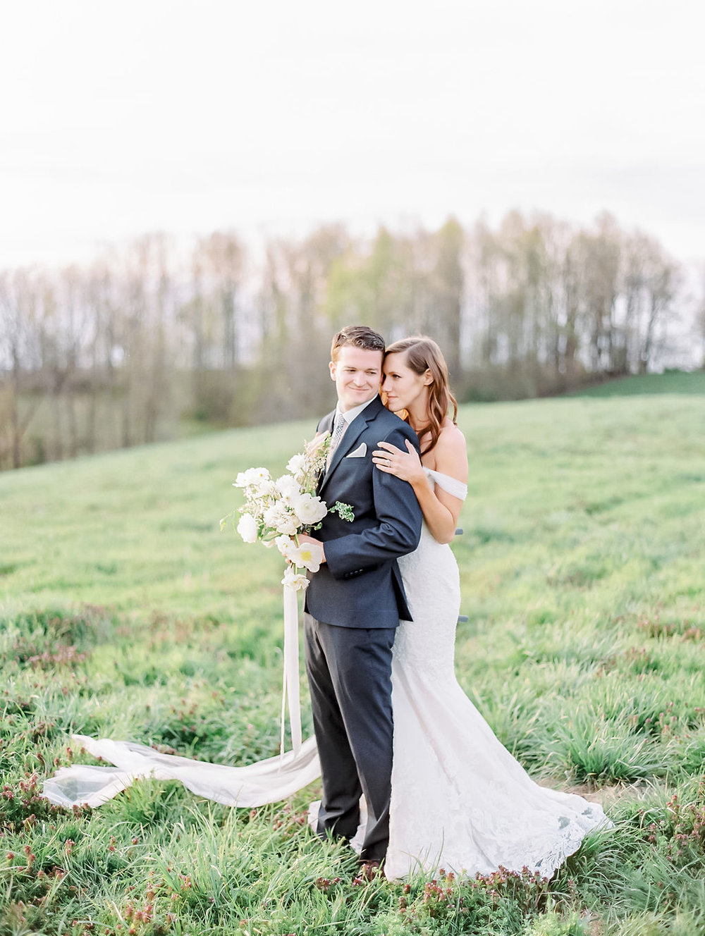 house-of-white-styled-shoot-indiana-anne-barge-kentucky-bride (11).jpg