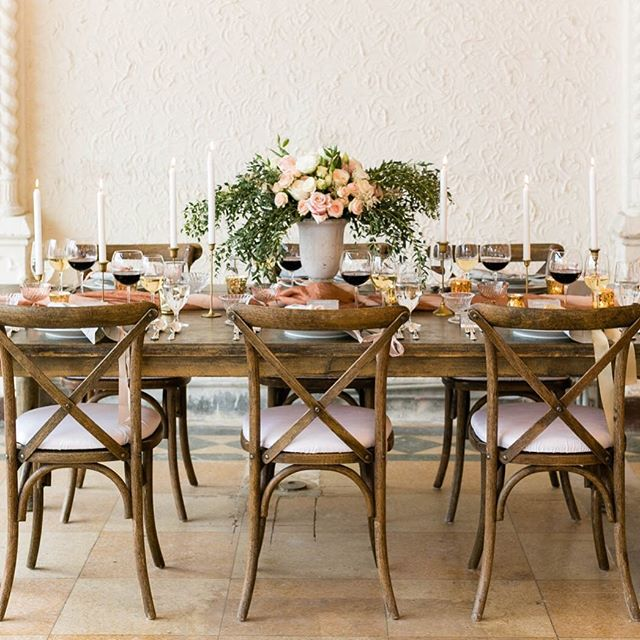 We just love our tablescape from our collaboration with @aislesociety and @brideside Photo by: @emiliajane_
