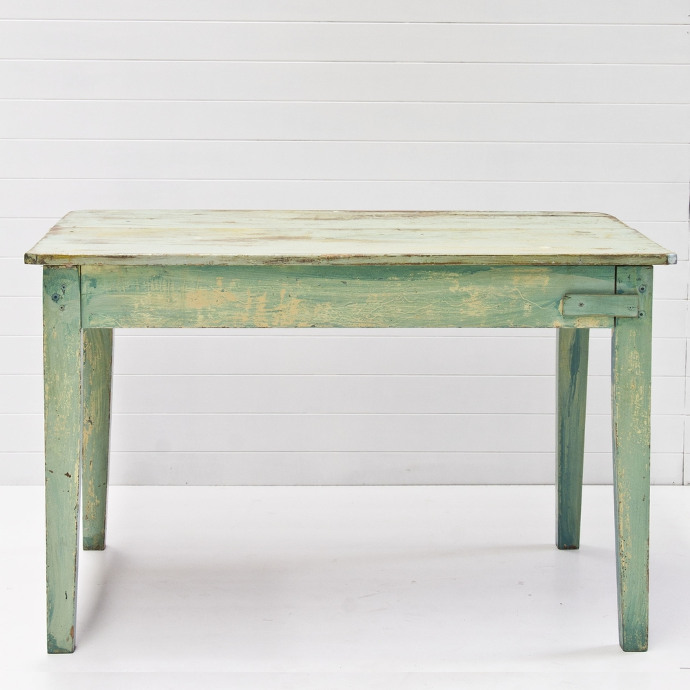 Cordel Vintage Table