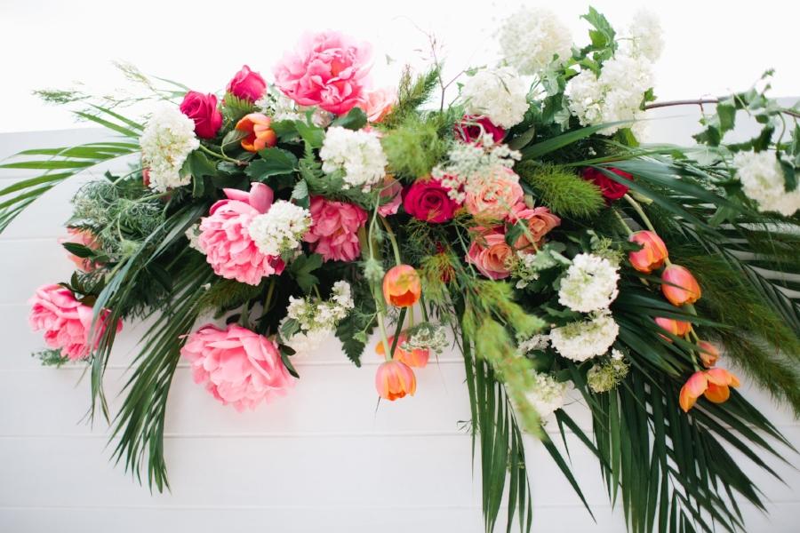 Flowers via Elyssium Blooms / Image via Figtree Wedding Photography