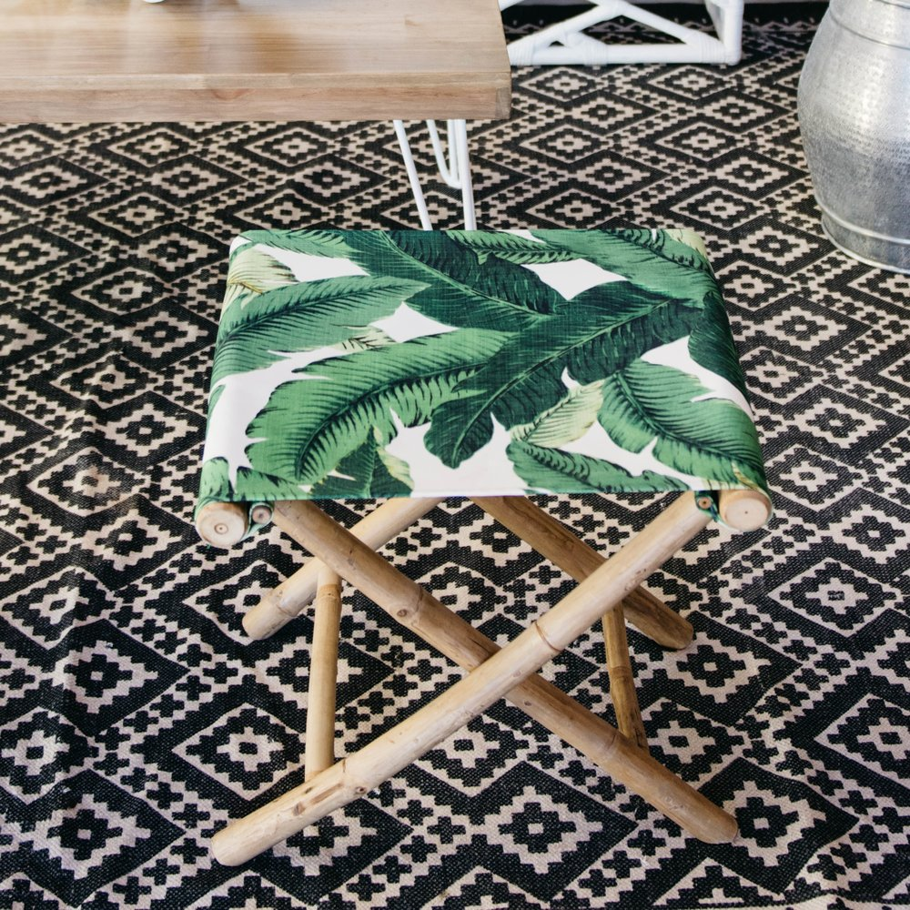 BAHAMAS SITTING STOOL