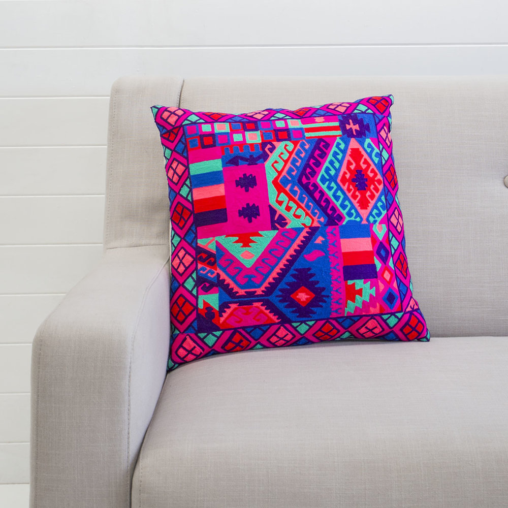 VIBRANT MOROCCAN CUSHION
