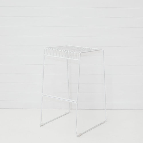 WHITE ICELANDIC WIRE STOOL