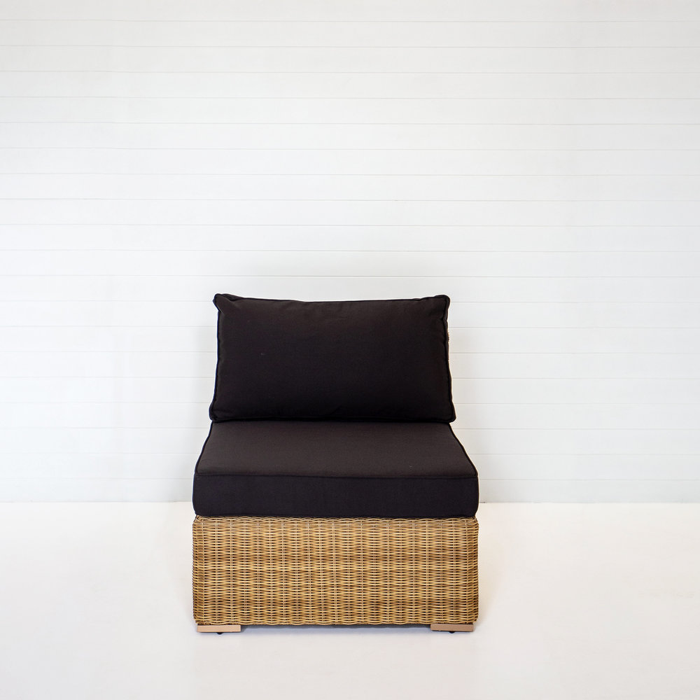 DUNE SINGLE SEAT MODULAR LOUNGE WITH BLACK CUSHIONS