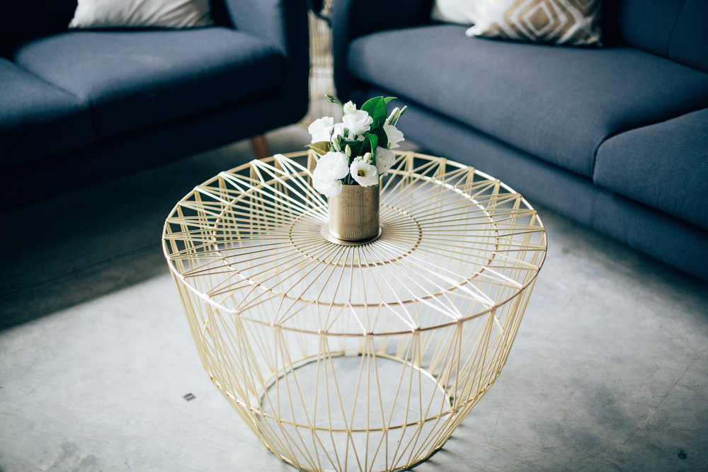 Gold wire coffee table 01.JPG
