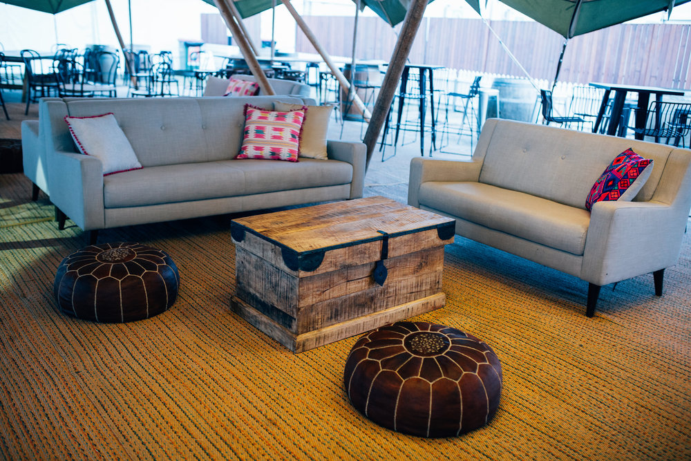Parisian sofa 01.JPG