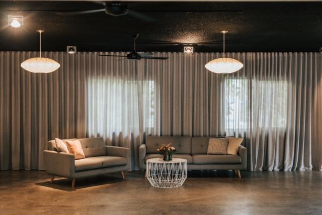 Grey sofa 03.JPG