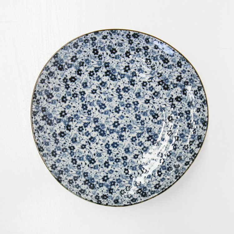 BLUE AND WHITE FLOWER PLATE