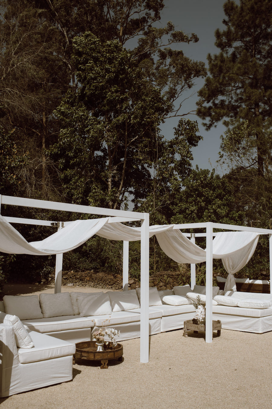 Emily William Deux Belettes Byron Bay Wedding2.jpg