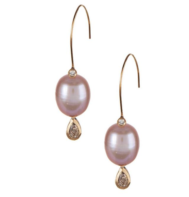 Pink... why not? #rawdiamonds #14kgold #pinkpearls #dropearrings #danglingearrings #oceangems #brendaburdettefinejewelry #coronadelmar #newportbeach #malibu @malibucolonyco @malibucountrymart