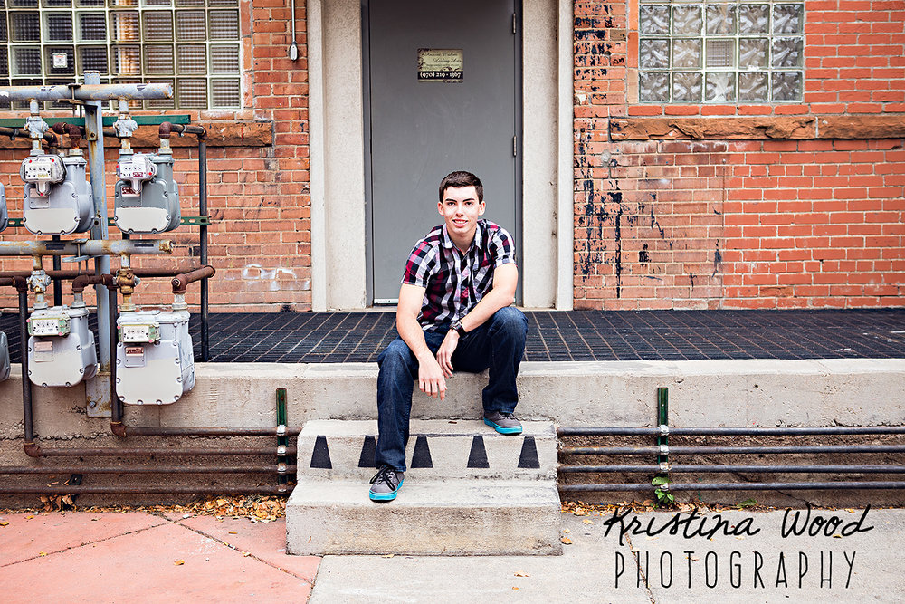16Octoberloganseniorphotos048-Edit.jpg