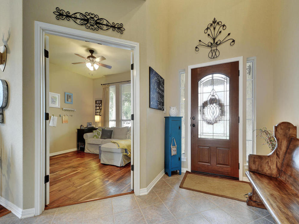 12129 Bryony Dr-MLS_Size-007-31-Foyer Hall 085-1024x768-72dpi.jpg