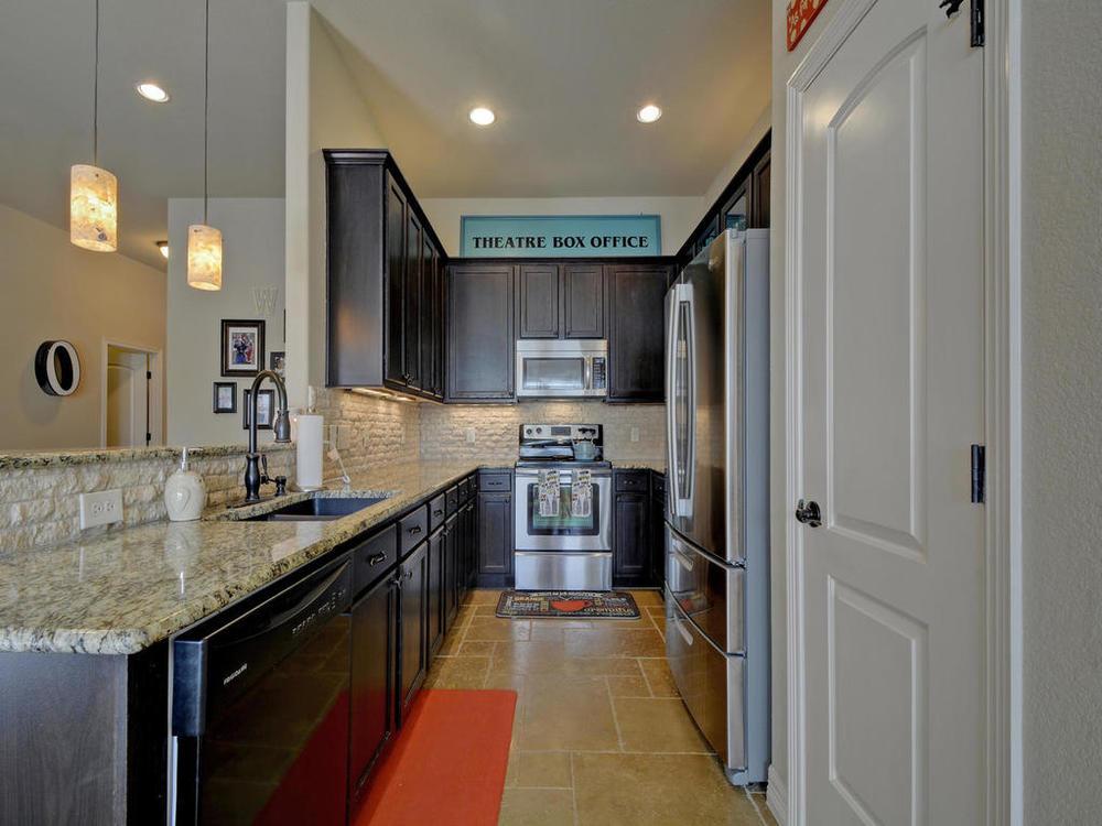 17401 Deer Creek Skyview-MLS_Size-011-6-Kitchen and Breakfast 02-1024x768-72dpi.jpg