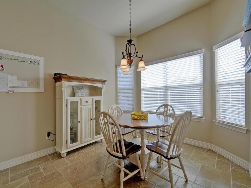 17401 Deer Creek Skyview-MLS_Size-014-14-Kitchen and Breakfast 06-1024x768-72dpi.jpg