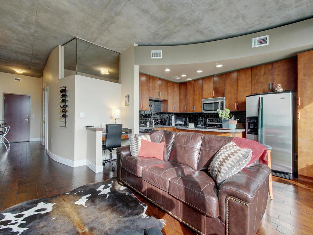 360 Nueces St-MLS_Size-007-9-Family Kitchen Dining 105-1024x768-72dpi.jpg