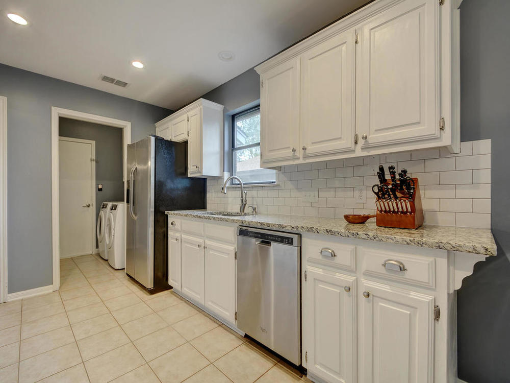 7009 Beckett Rd-MLS_Size-014-9-Kitchen and Breakfast 0910-1024x768-72dpi.jpg