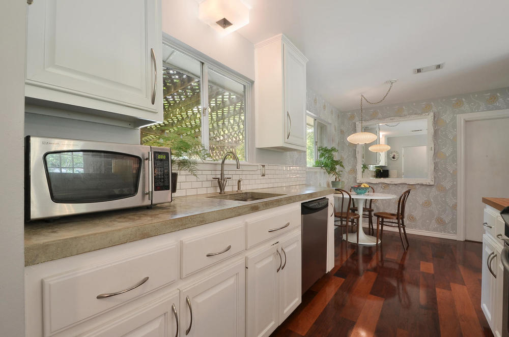 4908 Enchanted-large-011-11-Kitchen and Breakfast 002-1500x994-72dpi.jpg