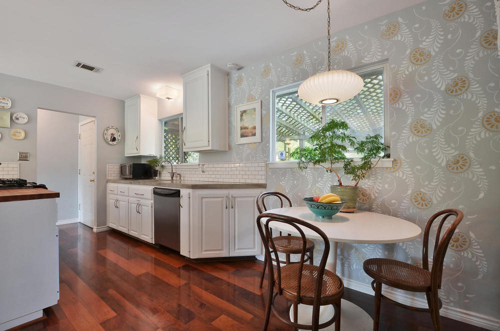 4908 Enchanted-large-015-15-Kitchen and Breakfast 006-1500x994-72dpi.jpg
