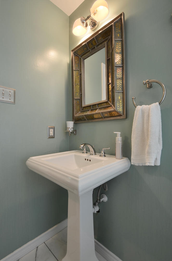4908 Enchanted-large-024-24-Other Bath 002-663x1000-72dpi.jpg