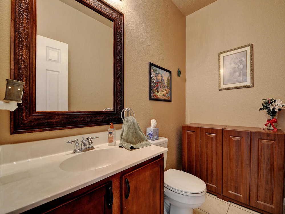 145 Covent Dr-MLS_Size-022-19-Other Bath 001-1024x768-72dpi.jpg