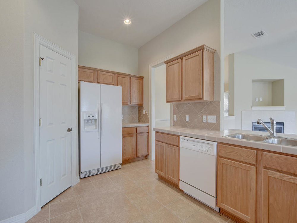 21910 Moffat Dr-MLS_Size-013-1-Kitchen and Breakfast 3321-1024x768-72dpi.jpg