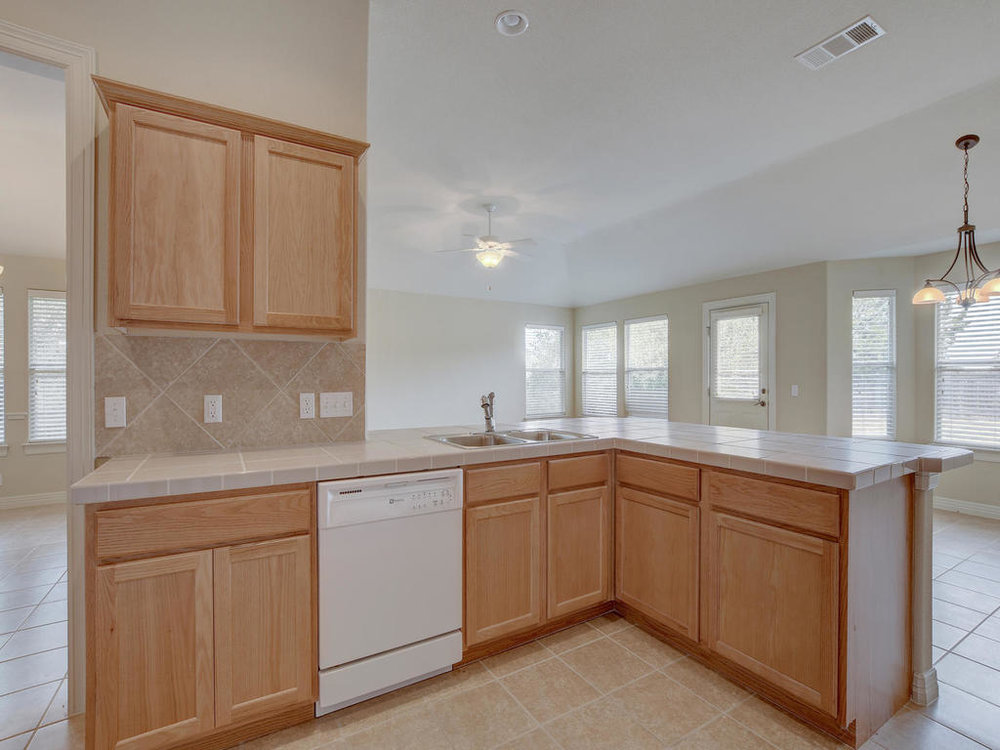 21910 Moffat Dr-MLS_Size-014-21-Kitchen and Breakfast 3322-1024x768-72dpi.jpg
