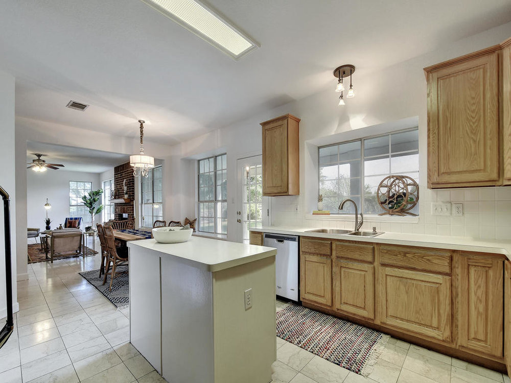 5325 Dry Wells Rd-MLS_Size-014-3-Kitchen and Breakfast 059-1024x768-72dpi.jpg