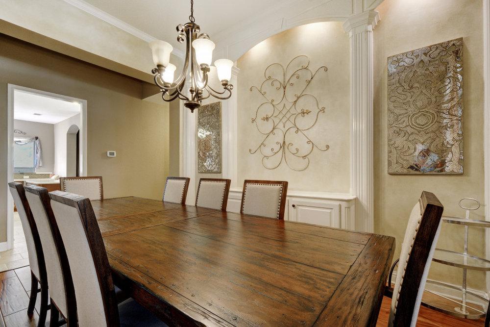 005-237794-Formal Dining 003_5333343.jpg