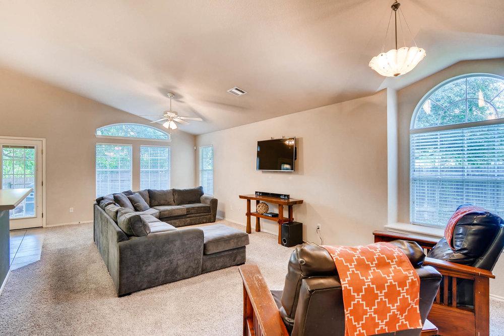 10400 Huxley Austin TX 78748-large-003-4-Living Room-1499x1000-72dpi.jpg
