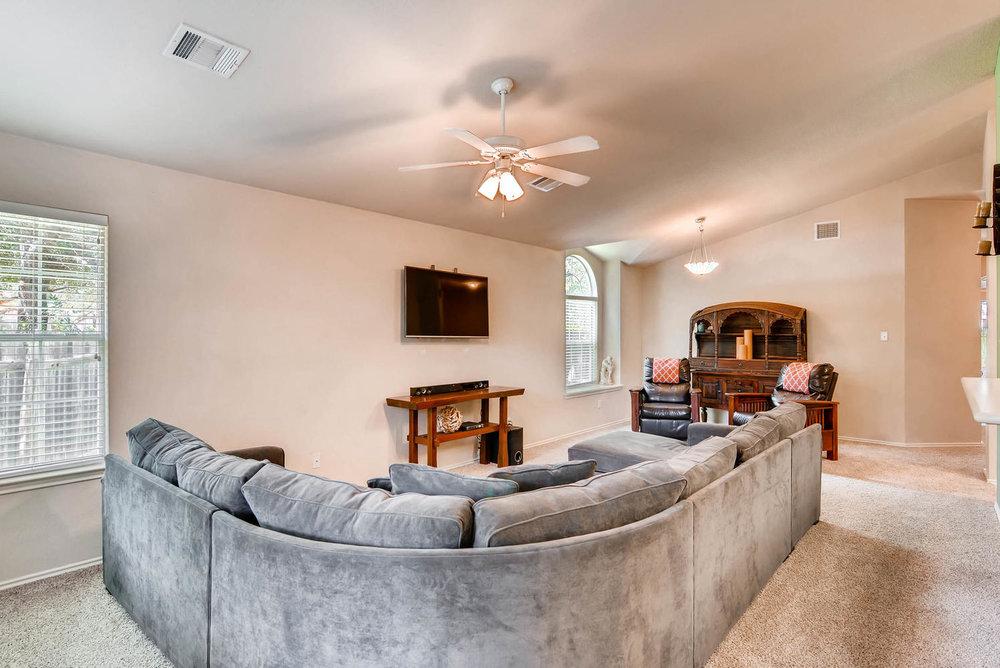 10400 Huxley Austin TX 78748-large-004-29-Living Room-1499x1000-72dpi.jpg