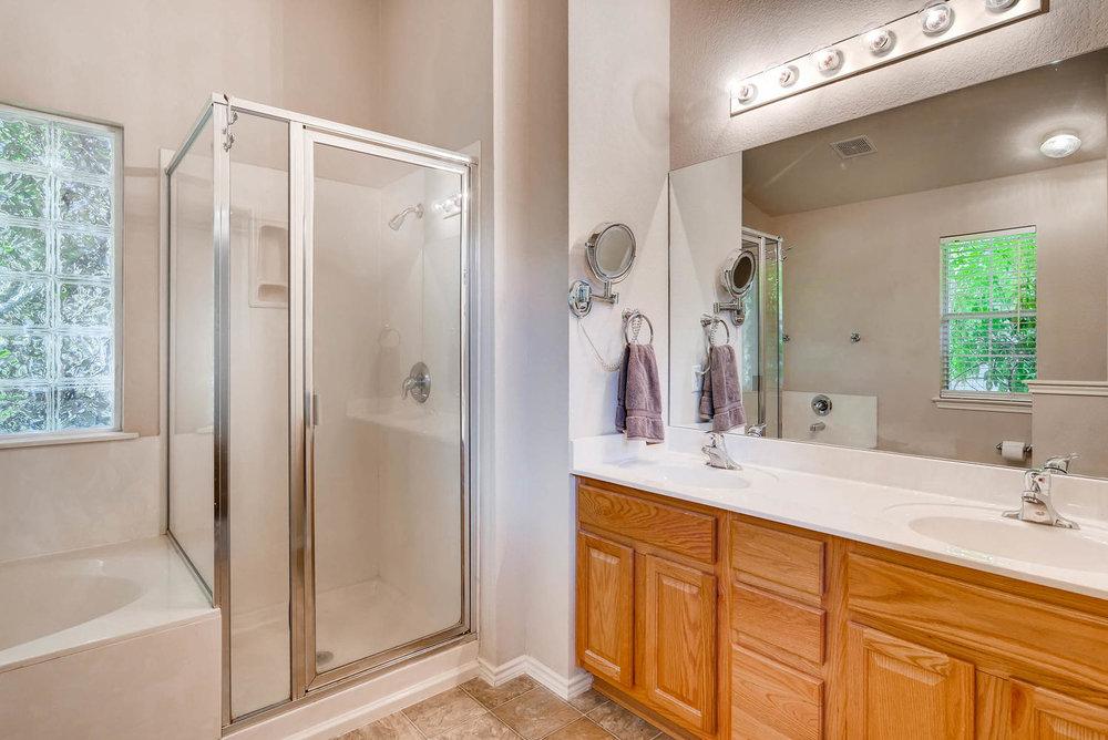 10400 Huxley Austin TX 78748-large-018-13-Master Bathroom-1499x1000-72dpi.jpg