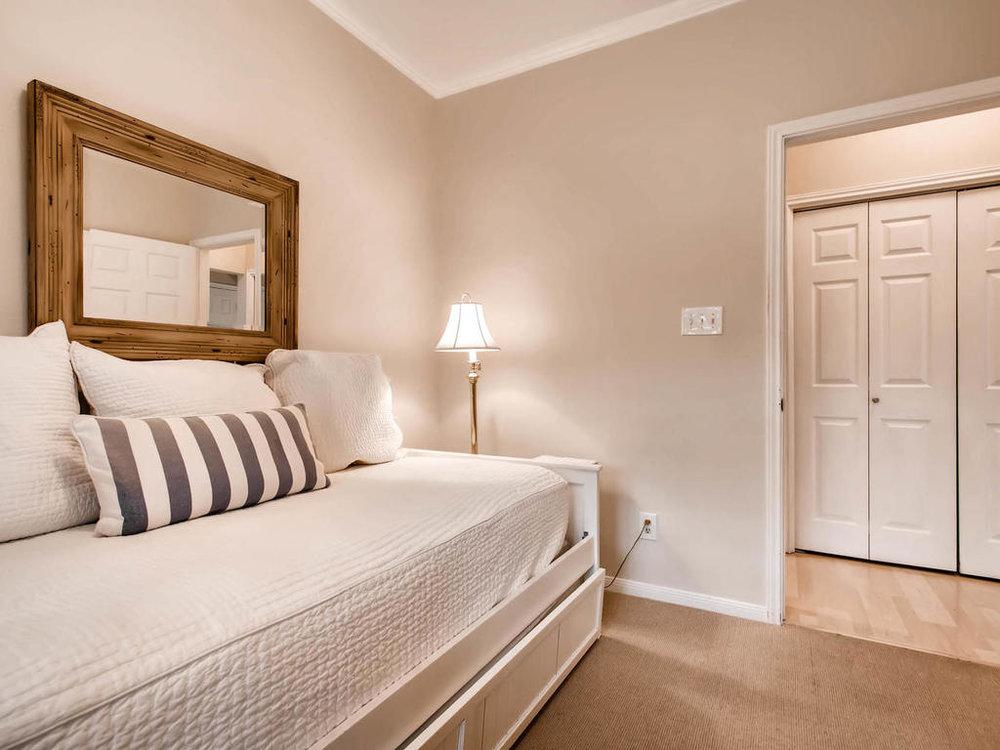 1741 Spyglass Dr 2302 Austin-MLS_Size-020-23-Bedroom-1024x768-72dpi.jpg