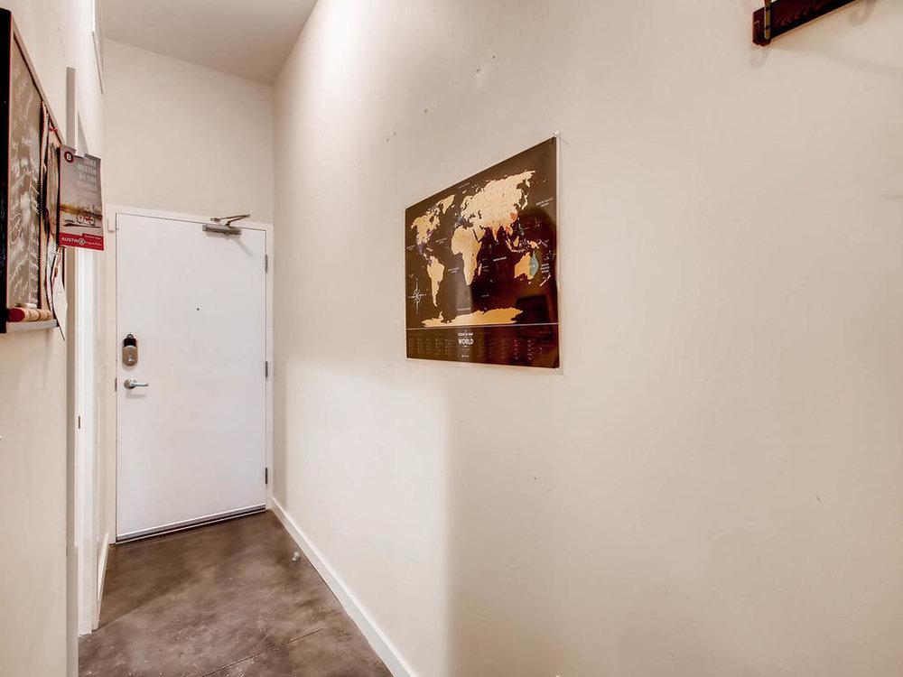 2124 E 6th 319 Austin TX 78702-MLS_Size-007-10-Foyer-1024x768-72dpi.jpg
