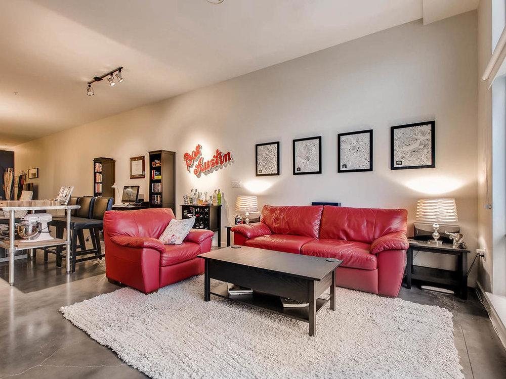 2124 E 6th 319 Austin TX 78702-MLS_Size-009-3-Living Room-1024x768-72dpi.jpg