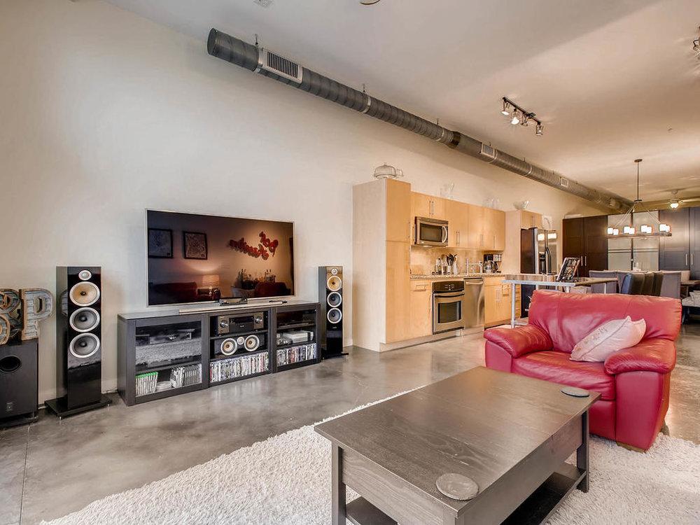 2124 E 6th 319 Austin TX 78702-MLS_Size-010-12-Living Room-1024x768-72dpi.jpg