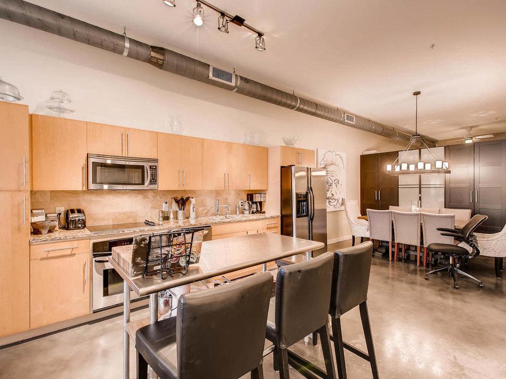 2124 E 6th 319 Austin TX 78702-MLS_Size-014-18-Kitchen-1024x768-72dpi.jpg