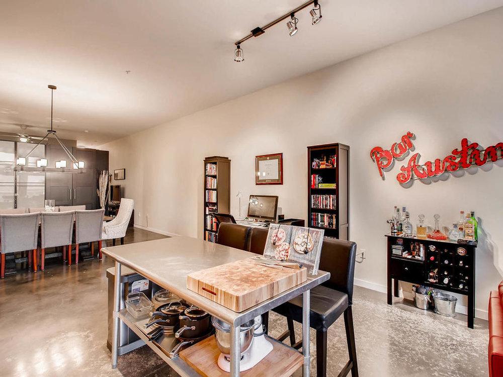 2124 E 6th 319 Austin TX 78702-MLS_Size-015-13-Kitchen-1024x768-72dpi.jpg