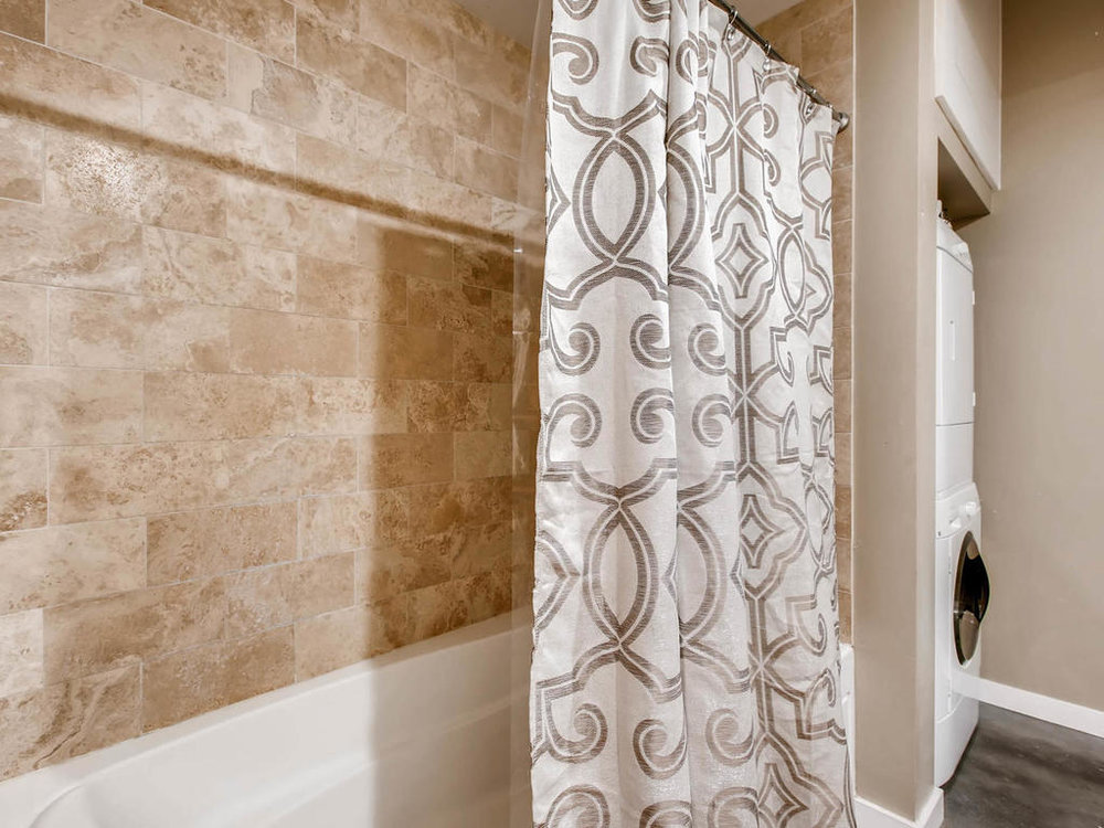 2124 E 6th 319 Austin TX 78702-MLS_Size-022-22-Master Bathroom-1024x768-72dpi.jpg