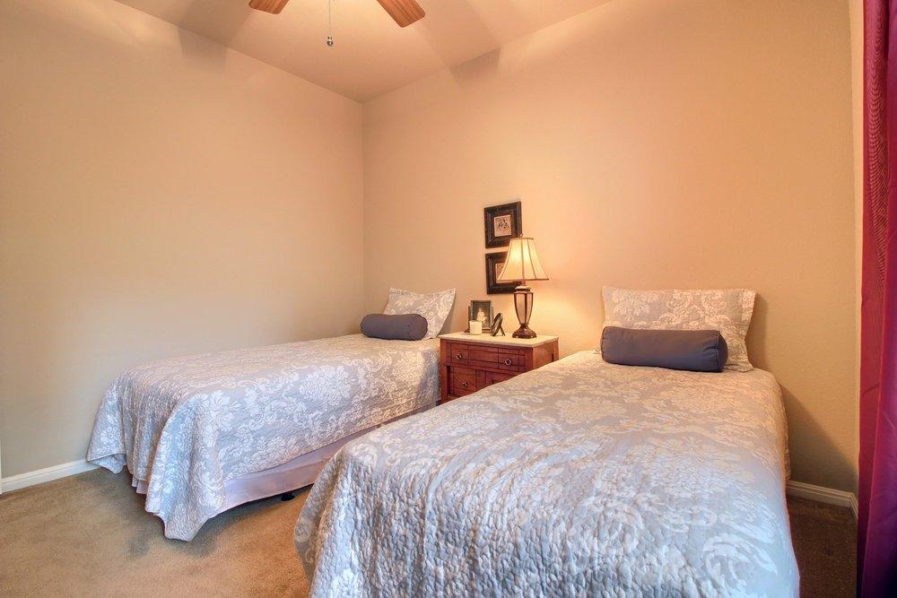 06_Bedroom_IMG_4042.JPG