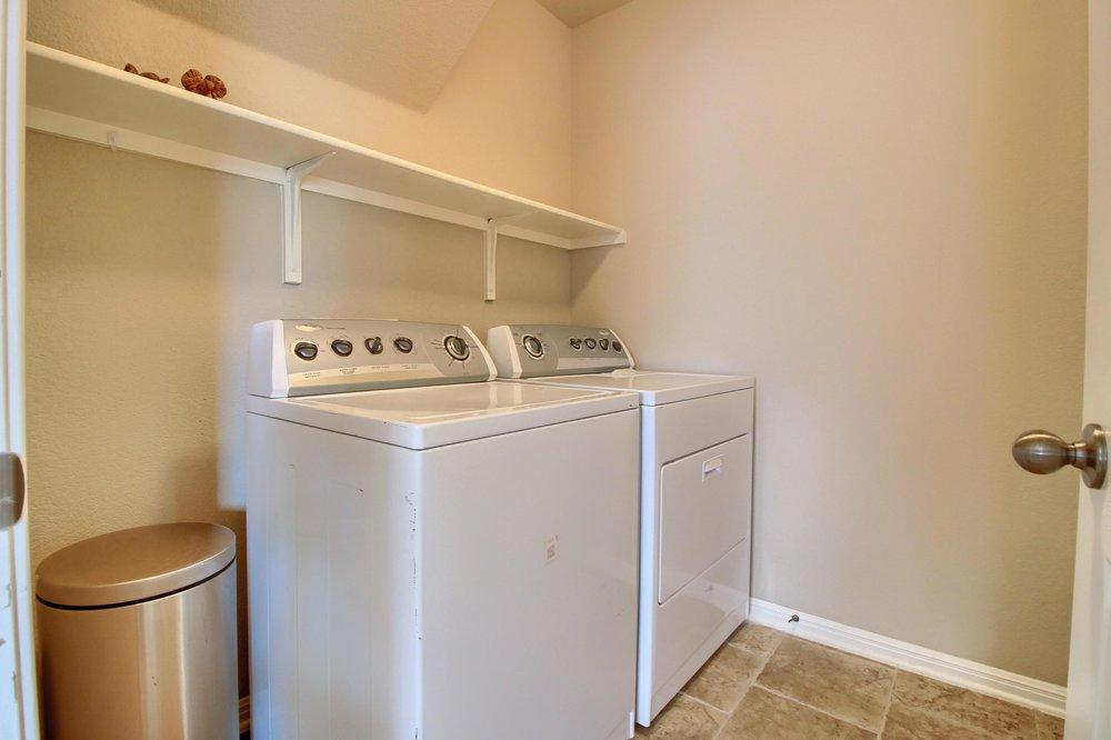 13_Laundry_Room_IMG_3987.JPG