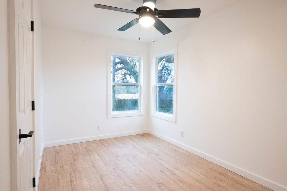 09 Extra bedroom 2-1.jpg