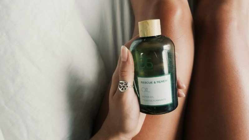Product Featured   :    Rescue & Renew Detox Oil