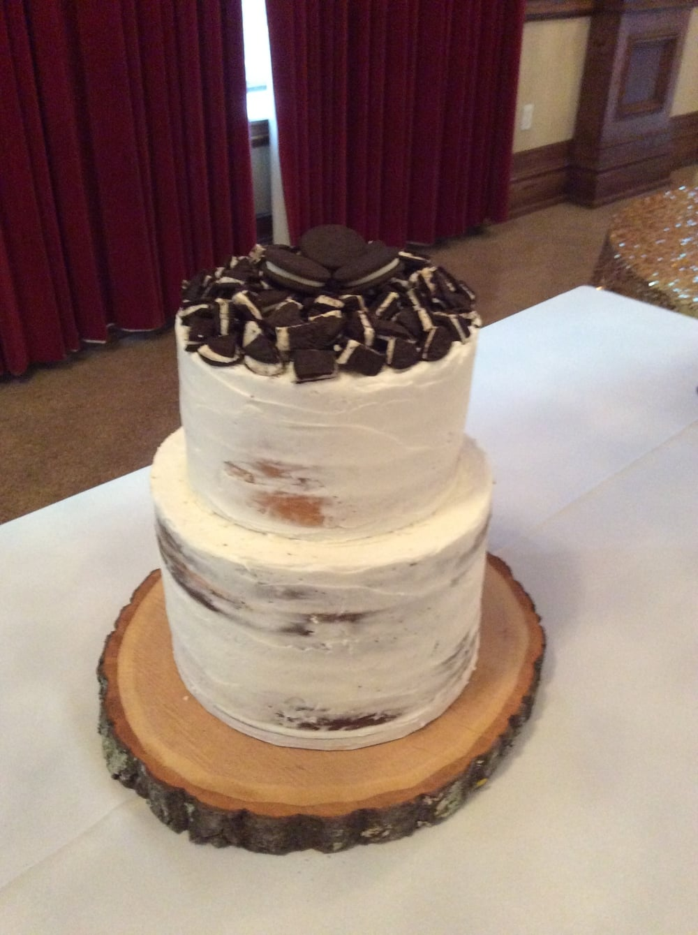 The Groom's Cake had a Cookies and Crème tier over a tier of Double fudge.